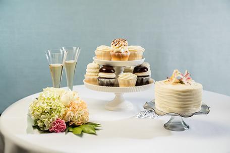 wedding dj gigi cupcakes